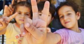 Syrian+refugee+children_mid