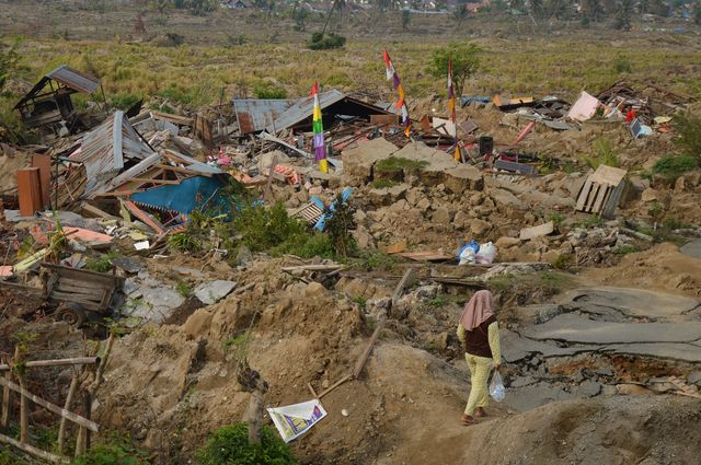 Photo of the aftermath of the earthquake that struck the Indonesian island of Sulawesi last September
