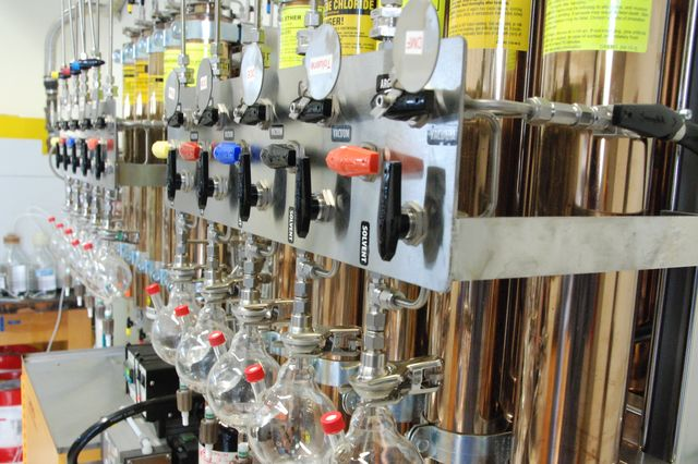 Photo of a UCLA Chemistry lab